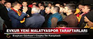 Evkur Yeni Malatyaspor Taraftarları, Başkan Gürkan'ı Coşku İle Karşıladı
